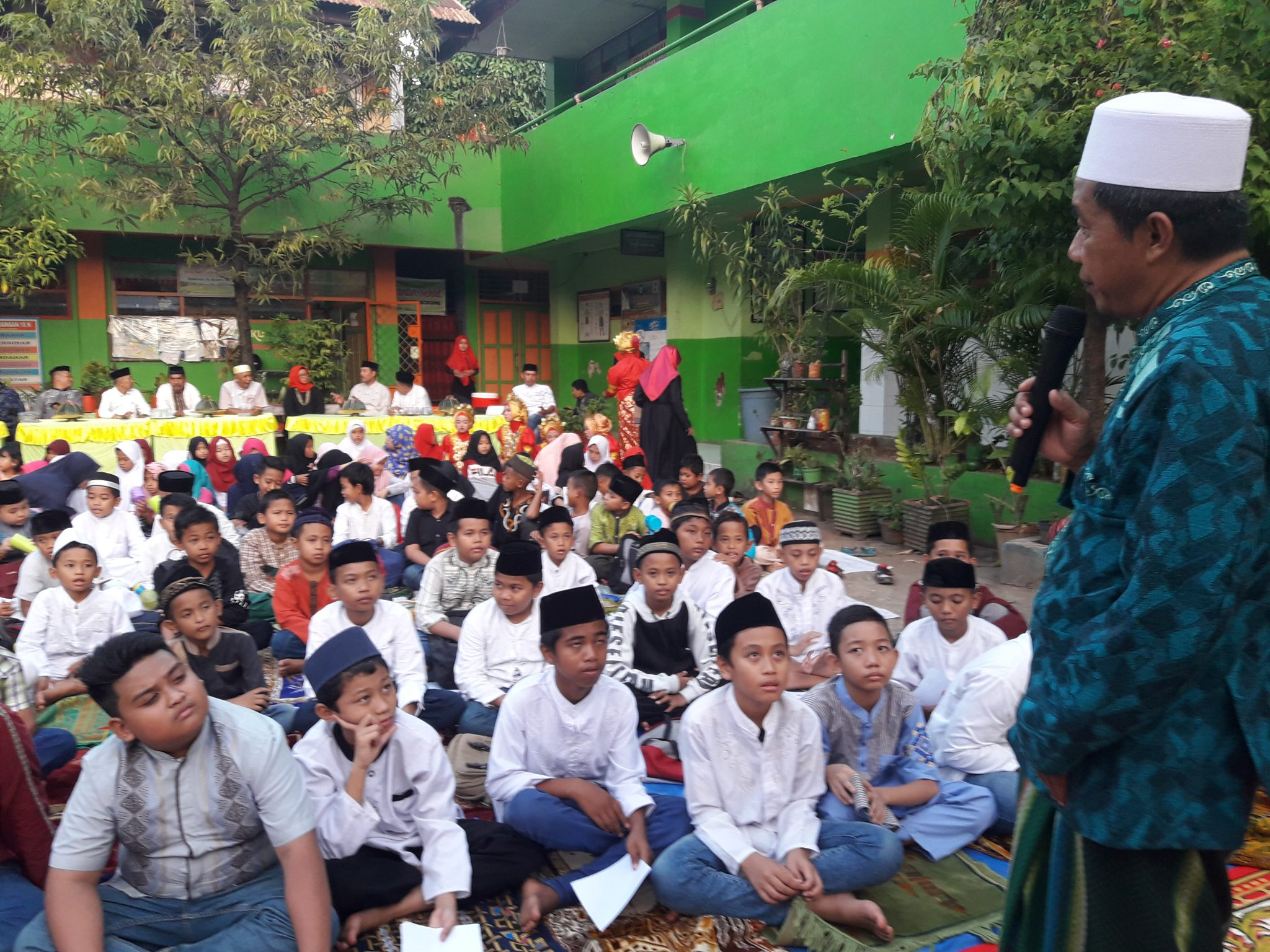 Pelepasan siswa kelas VI SD Negeri Borong, sederhana, penuh petuah dan hikmah