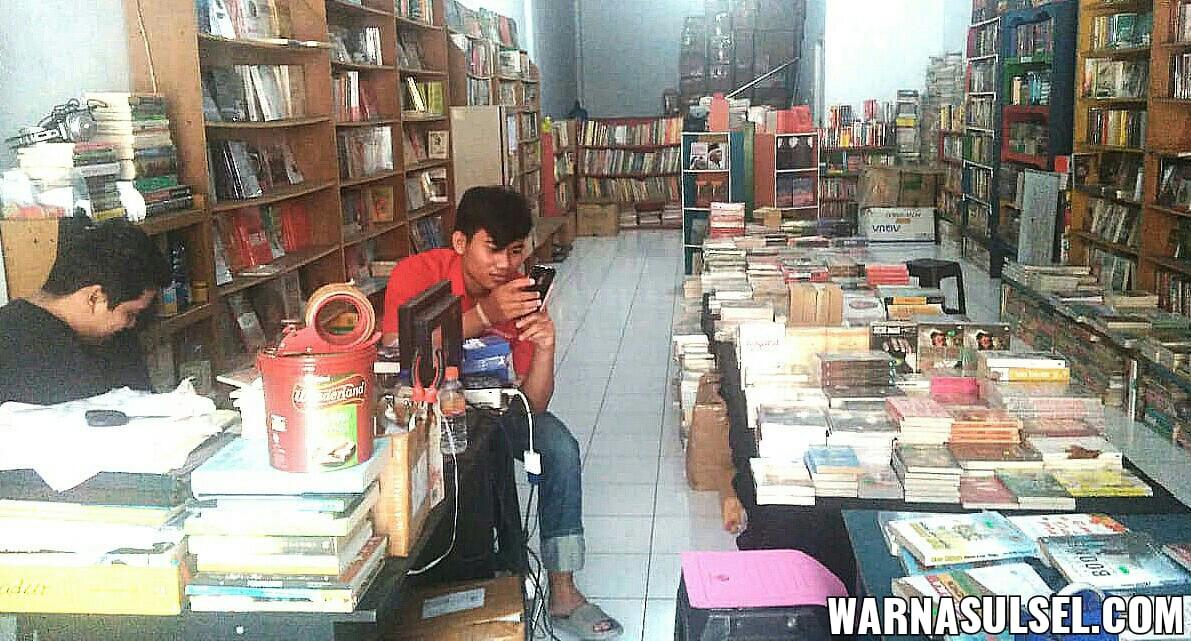Lebih dekat dengan toko buku Pelangi Ilmu, toko buku indie favorit di Makassar